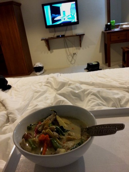 I've always wanted to do this.... Not breakfast, but dinner in bed. =)