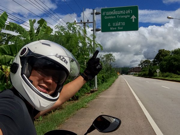 It was a nice ride from Chiang Rai to Golden Triangle viewpoint. Proper roads and magnificent views.