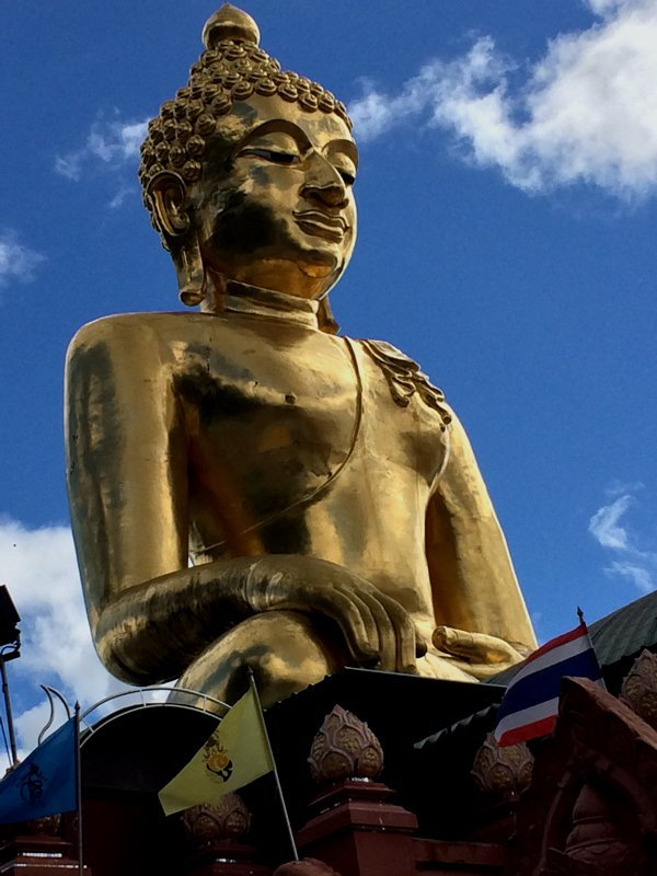 The giant golden Buddha at Golden Triangle. The people living here must be quite rich.