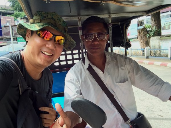 Immediately after crossing the border, I was harassed by this tuk tuk driver. 200THB for an approximately 1hr tour. Since I didn't have my bike with me (can't bring a rental bike across), I decided to ride the tuk tuk.