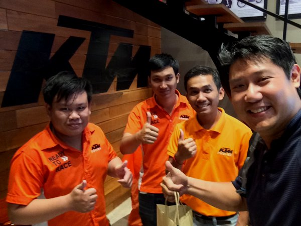 The friendly folks at KTM Vientiane.