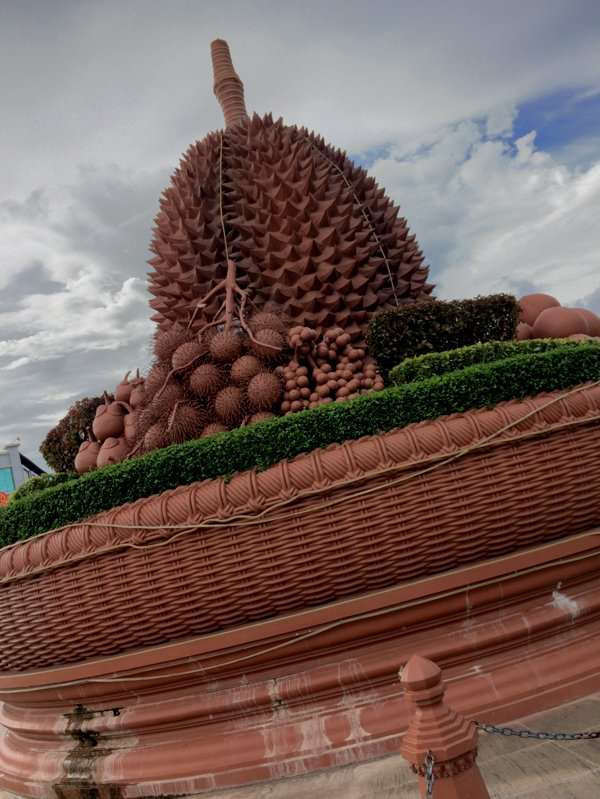 Some cities have monuments of great people. Some have architecturally beautiful monuments to mark the centre of the city or town. Kampot has a huge durian in the centre of a roundabout in the middle of the town. I think I like Kampot already!