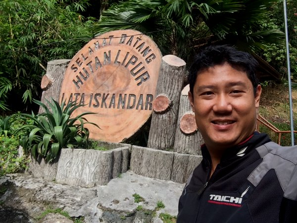 On the way down from Cameron Highlands, I passed Hutan Lipur Lata Iskandar - waterfall.