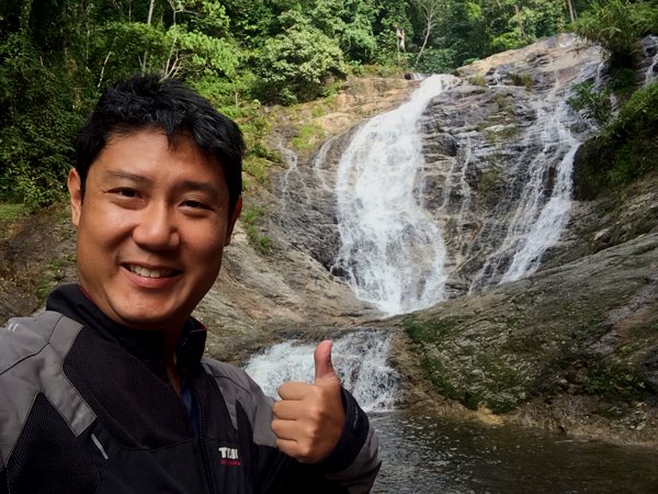 There's no entrance fee to this waterfall. I just love Malaysia.