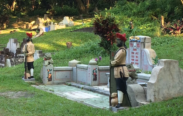 A very well-maintained grave with 2 figurines that look like Gurkhas apparently guarding the resting place of the owner. I assume that whoever rests here must have been pretty wealthy.