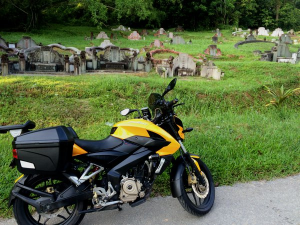My Pulsar 200NS visit to Bukit Brown.