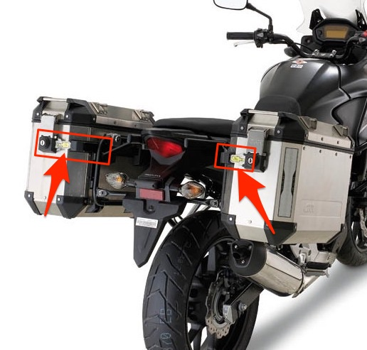3a7743e65f Givi Outback Trekker side cases vs Kappa K-Venture ones. The more popular  Outback Trekkers have an additional horizontal locking mechanism that's  missing on ...